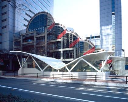神戸ハーバーランド線地下道エスカレータ−