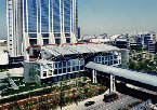 大阪WTC大屋根(大阪ワールドトレードセンタービルディング)と連絡デッキ(大阪港湾局)